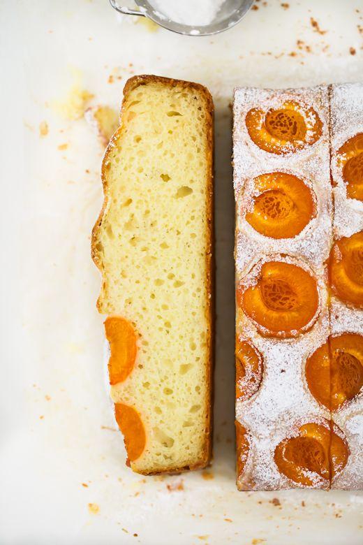 Lekkie ciasto z morelami (źródło: pinterest.com)