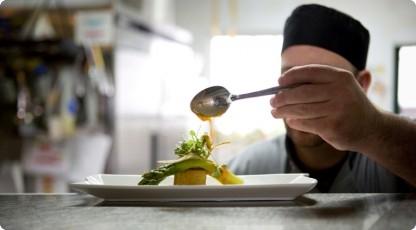 Warsztaty kulinarne (źródło: katalogmarzen.pl)