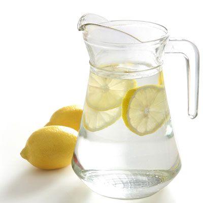 ciepła woda z cytryną (pinterest)