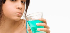 płukanie jamy ustnej