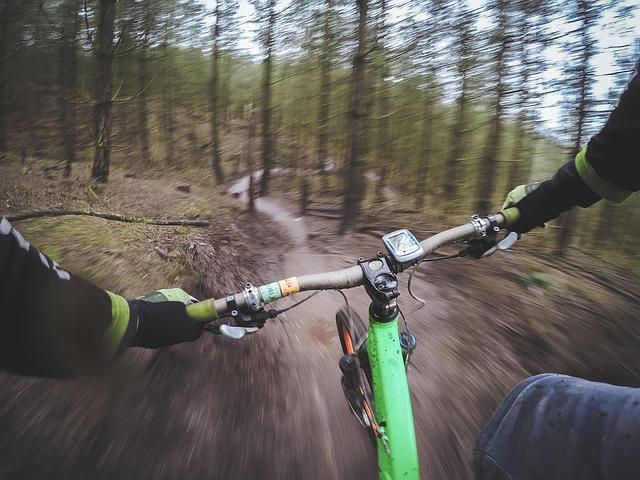 aegon opinie są pozytywne w ramach ubezpieczeń dla sportowców ekstremalnych jak jazda na rowerze
