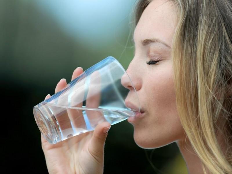pijąc wodę przyspieszysz metabolizm